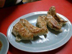 餃子は家庭料理のような素朴な味でとにかく美味しい!