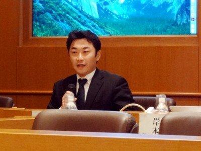 日本経営学会のシンポジウムで発言する石井