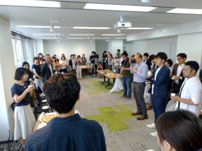 キックオフ後の懇親会を「まいぷれBASE」で開催しました。
